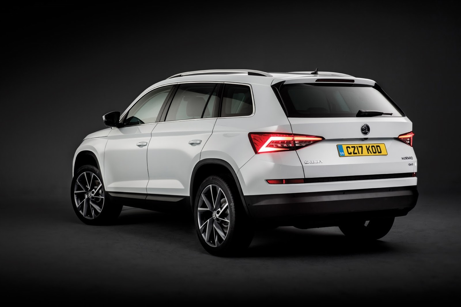 Skoda Kodiaq price in Ireland 2017 - new large SUV 2016 ...