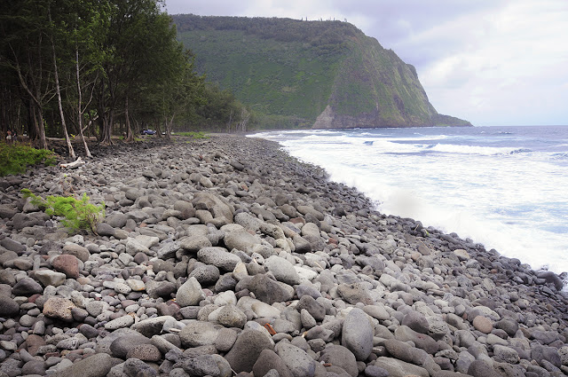 waipio valley beach hawaii big island trailblazer