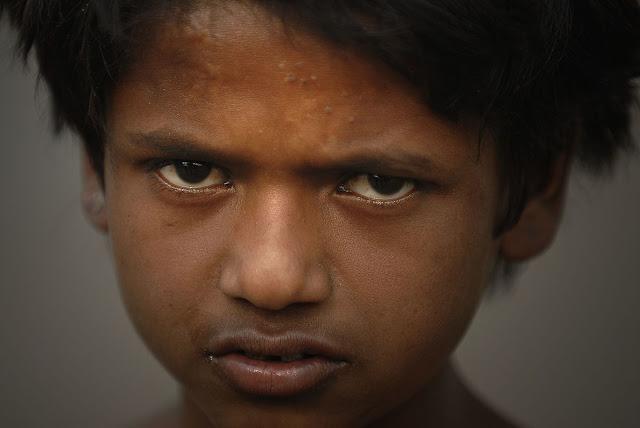indian poor people shayari hindi