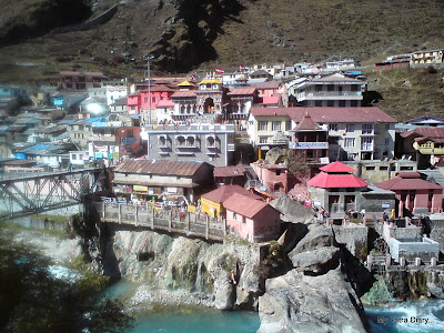 Alaknanda bridge connecting the Badrinath town and the  Badrinath Temple