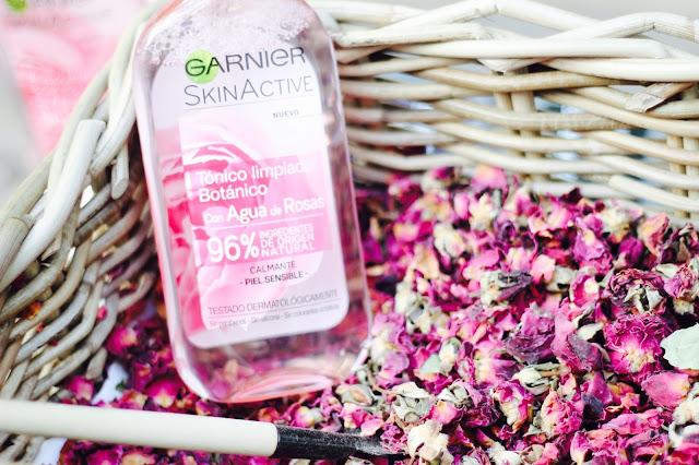 photo-garnier-skinactive-ingredientes-naturales-hidratante-agua-rosas-tonico-limpiador