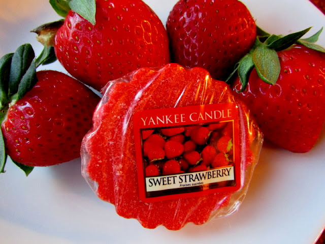 Sweet Strawberry Yankee Candle