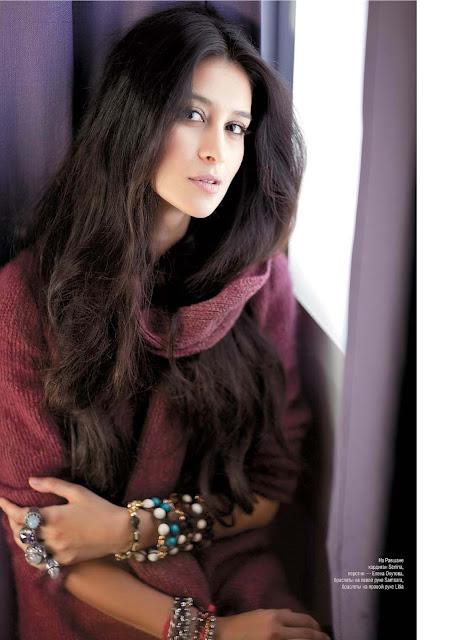 Ravshana adalah aktris Rusia yang lahir di Pakistan. Dia tidak memiliki latar belakang dalam bertindak, tapi itu tidak menghambat kariernya dengan cara apapun. Bahkan, dia adalah salah satu aktris modern yang paling berbakat!