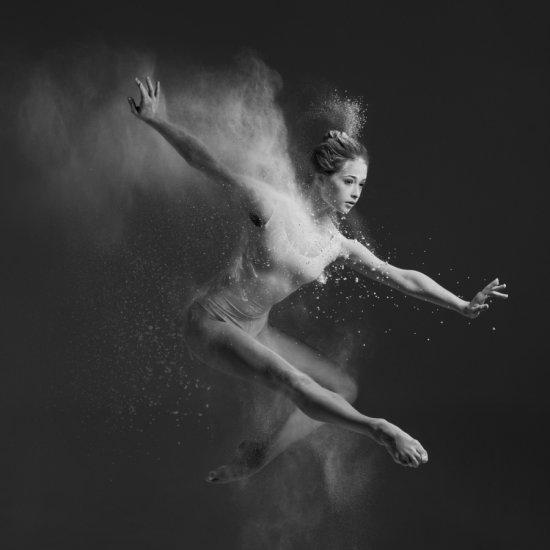 Alexander Yakovlev fotografia mulheres dançarinas bailarinas explodindo mirages beleza arte preto e branco