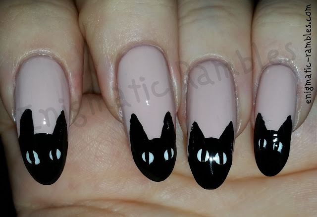 black-cat-halloween-nail-art-nails