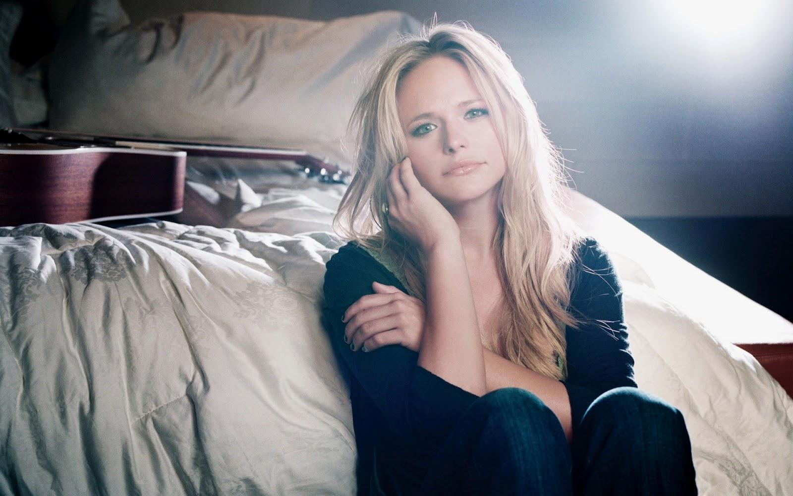 Country Music Stars Wallpaper: Miranda Lambert Profile And Latest Hot Wallpaper