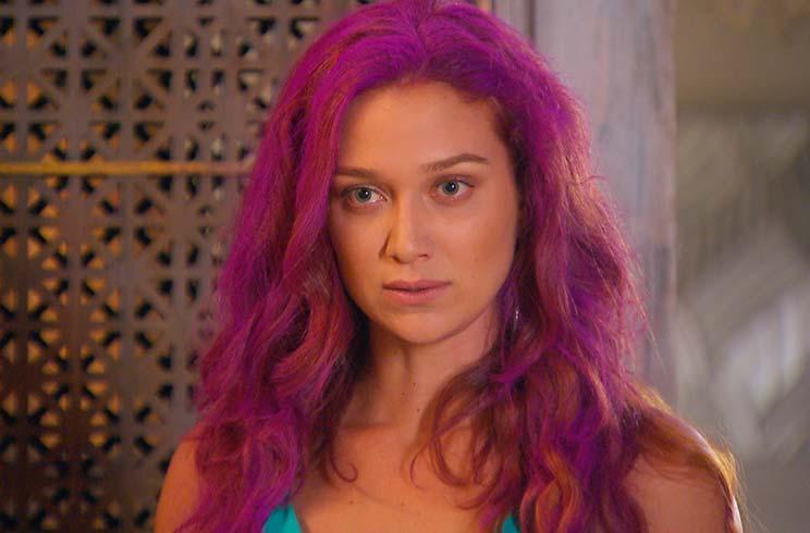 Nesta sexta  Isabela apronta mais uma e cabelo de Regina fica roxo! 1680edb5ea372