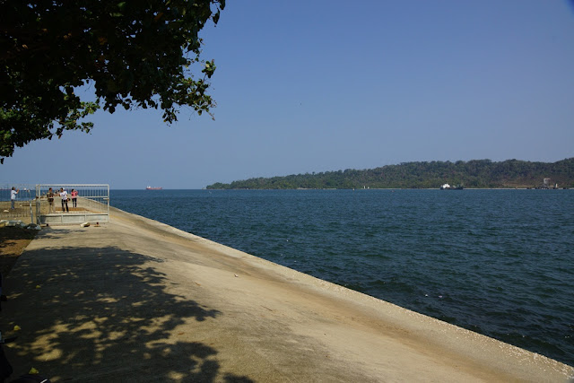 tempat wisata Pantai Widarapayung di jawa tengah
