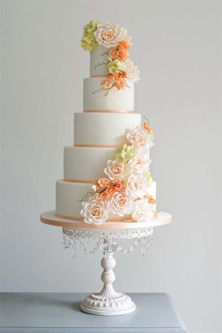 beautiful wedding cake stand inspiration wedding cake stands How could we not include this cake stand It s the definition of glamorous as the crystal beading will sparkle and shimmer as it catches the light
