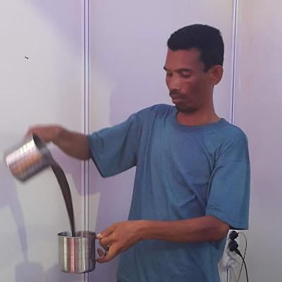 Minuman Khas Riau Pelepas Dahaga Kopi Tarik Panas Dingin