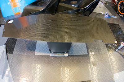 The two carbon interior panels weighed in at 1.162kg