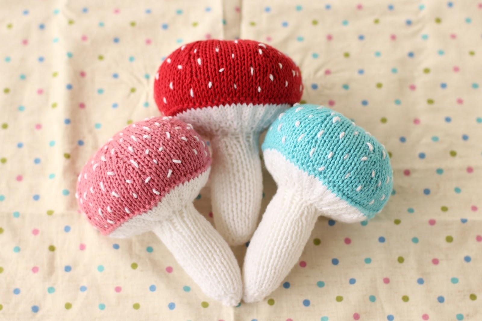 Knit It Mushroom Baby Rattle / Say Little Hen