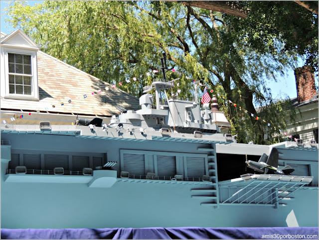 Maqueta Barco de Guerra Desfile 4 de Julio Bristol
