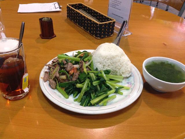 lunchset-noibaiairport ノイバイ空港の定食