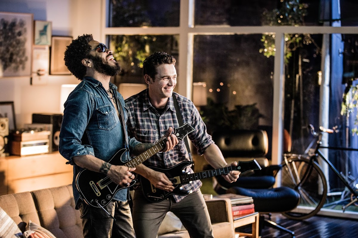Lenny Kravitz and James Franco Win The Crowd in Official Guitar Hero Live Trailer