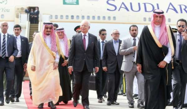 Raja Arab Saudi tiba