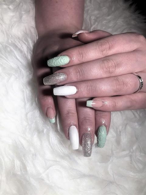 geelikynnet aleksiina rintala glitter nails