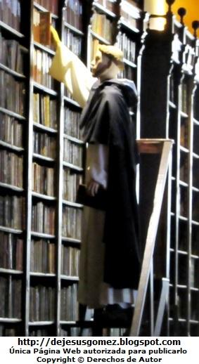 Foto de Santo Domingo de Guzmán en la bibilioteca tomada por Jesus Gómez
