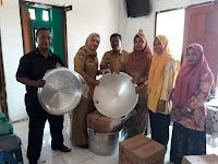 Bersama Konsultan UMKM Bappeda, DP3AKB Beri Pembinaan pada Kelompok Perempuan di Soromandi