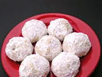 Resep Kue Putri Salju (Snow Ball Cookies Recipe)