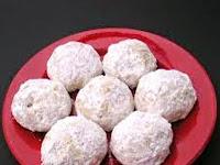 Resep Kue Putri Salju (Snow Ball Cookies Recipe)