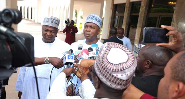 Saraki, Dogara Blame APC Leadership, Presidency Officials For NASS Barricade