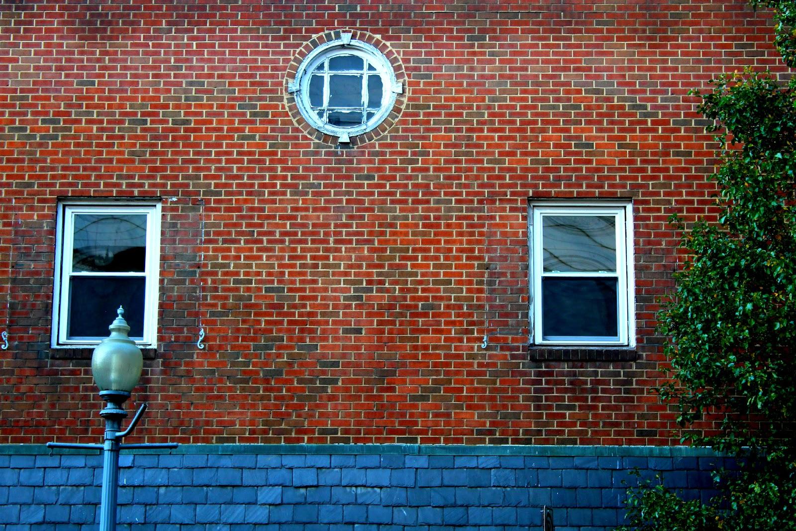 Around roanoke va a daily photo blog little round window for 12 round window