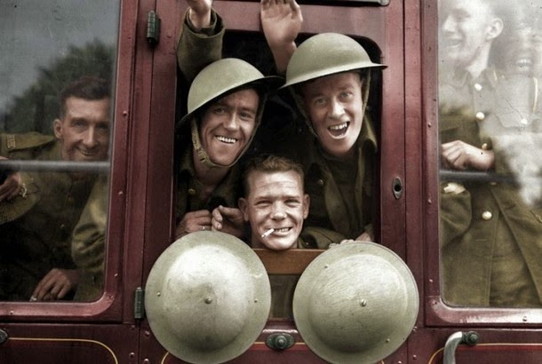 28 Realistically Colorized Historical Photos Make the Past Seem Incredibly Alive - British Troops Board Their Train for the Front, 1939