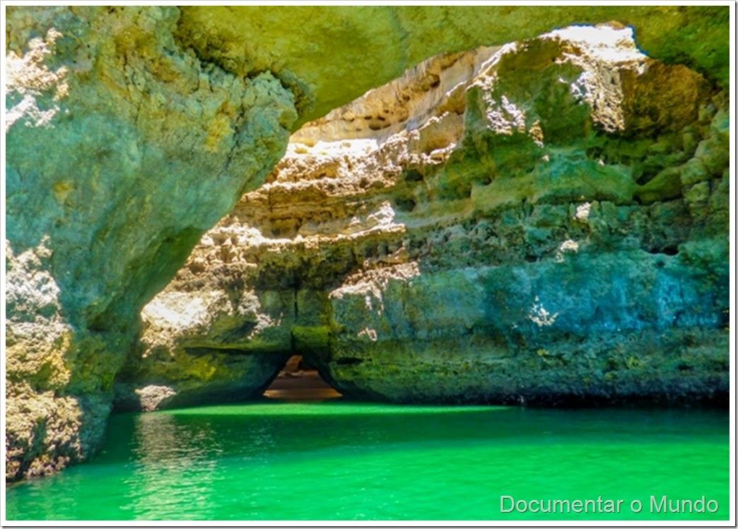 A Catedral;  Praias Algarve; Férias Algarve; Grutas Marinhas no Algarve; Sea Caves Algarve; Grotten Fahrt Algarve