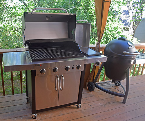 #NowYoureCookin Char-Broil TRU Infrared Commercial Grill and Kamander kamado grill are my two favorites from their product lines.