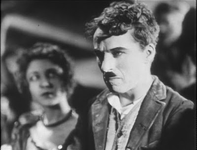 """Чарли Чаплин на съемках новогоднего эпизода из """"Золотой лихорадки"""" (1925) - 1"""