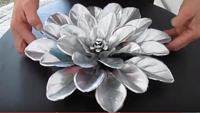 flores-reciclaje-latas-aluminio