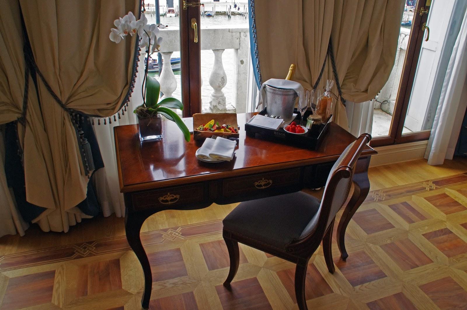 Westin Europa & Regina Venice desk and prosecco