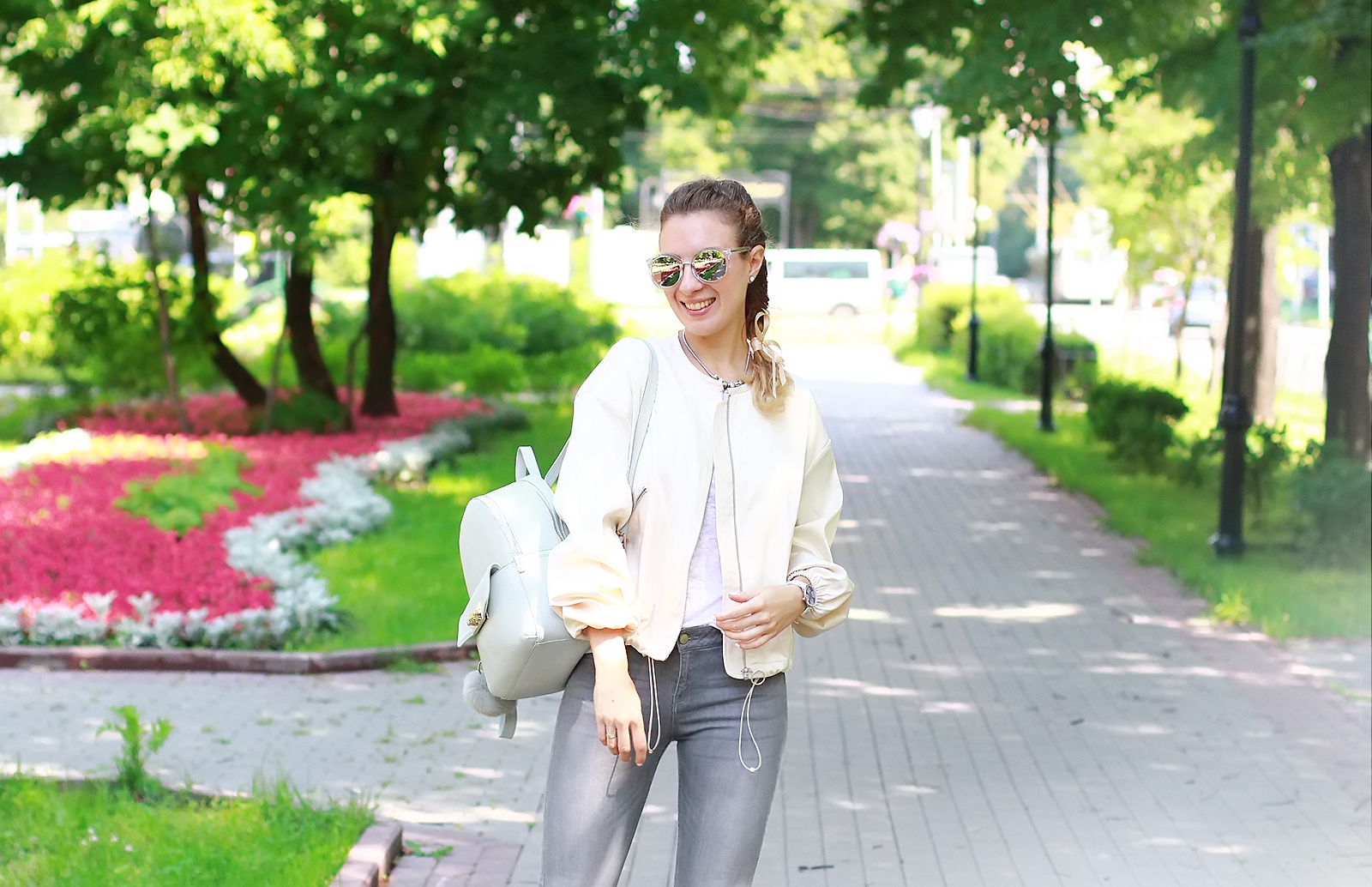 margarita_maslova_ritalifestyle_pastel_sport_look_backpack_streetlook