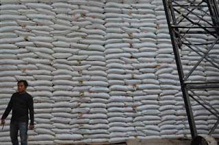 gula petani kabupaten cirebon tak laku di pasar