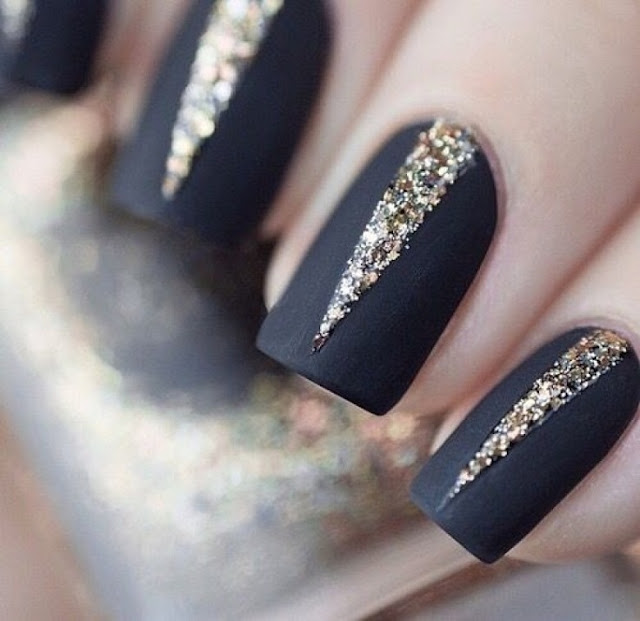 5 Super Easy Glittery Nail Art Ideas