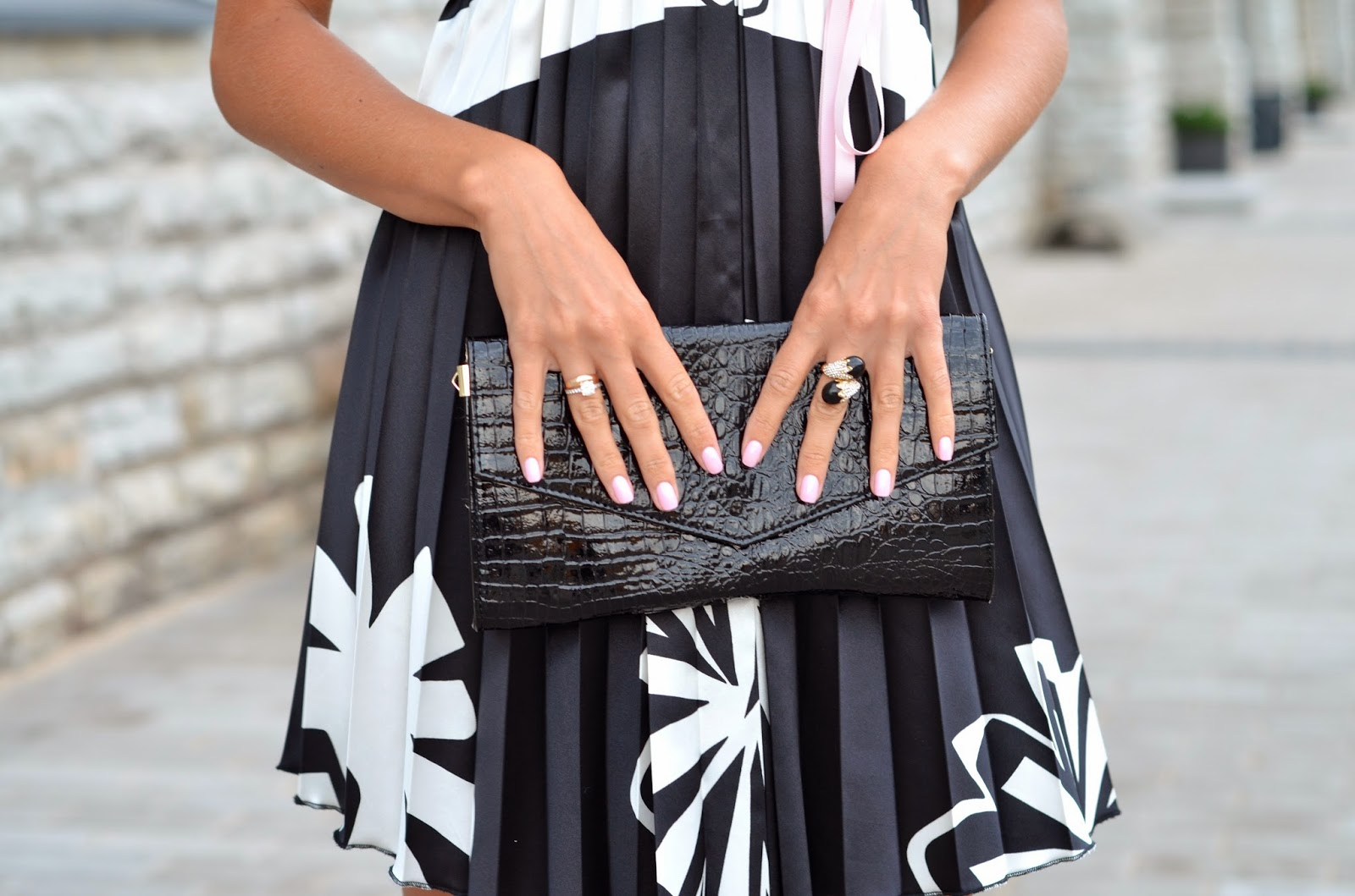 black patent snake clutch rings pink nails