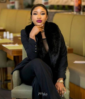 Tonto Dikeh begins the #PayYourDebtChallenge as she pays 5 people's debts