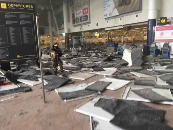 (Gambar & Video) Detik Cemas Letupan Gegar Lapangan Terbang Di Belgium