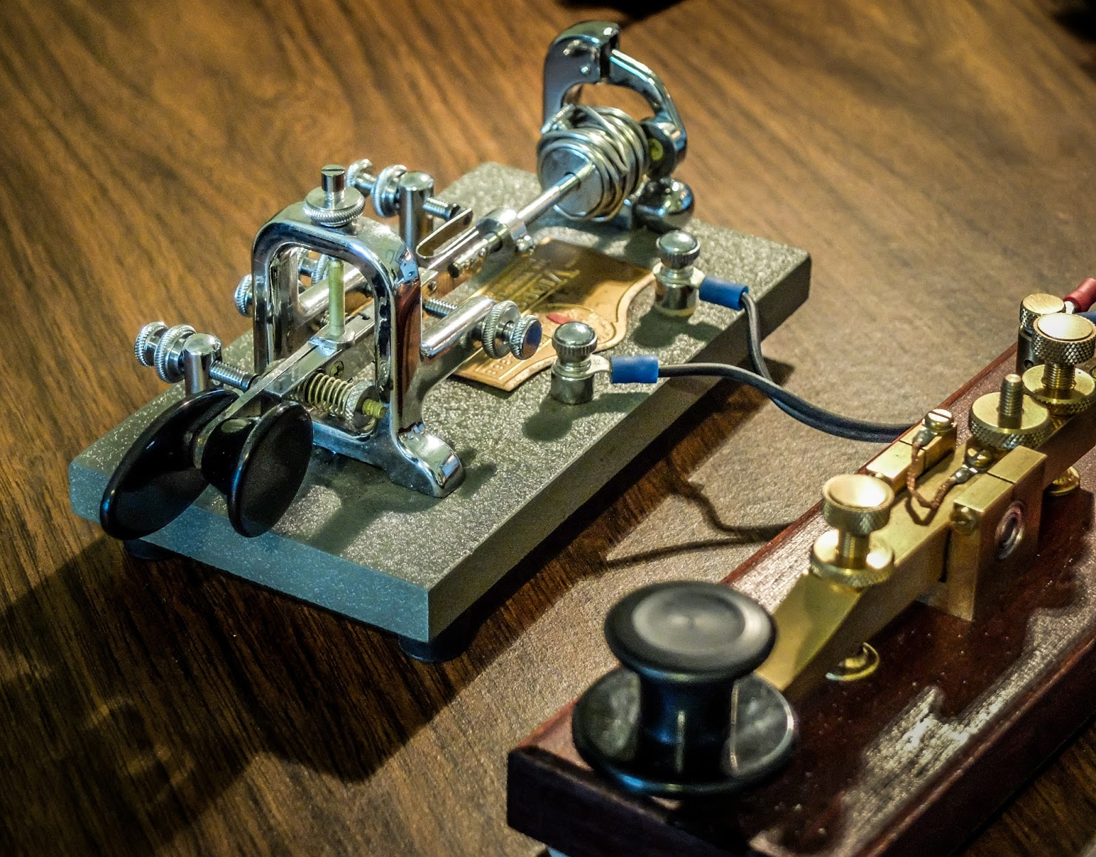 Dont Bug OUT when hearing a Vibroplex semi-automatic key