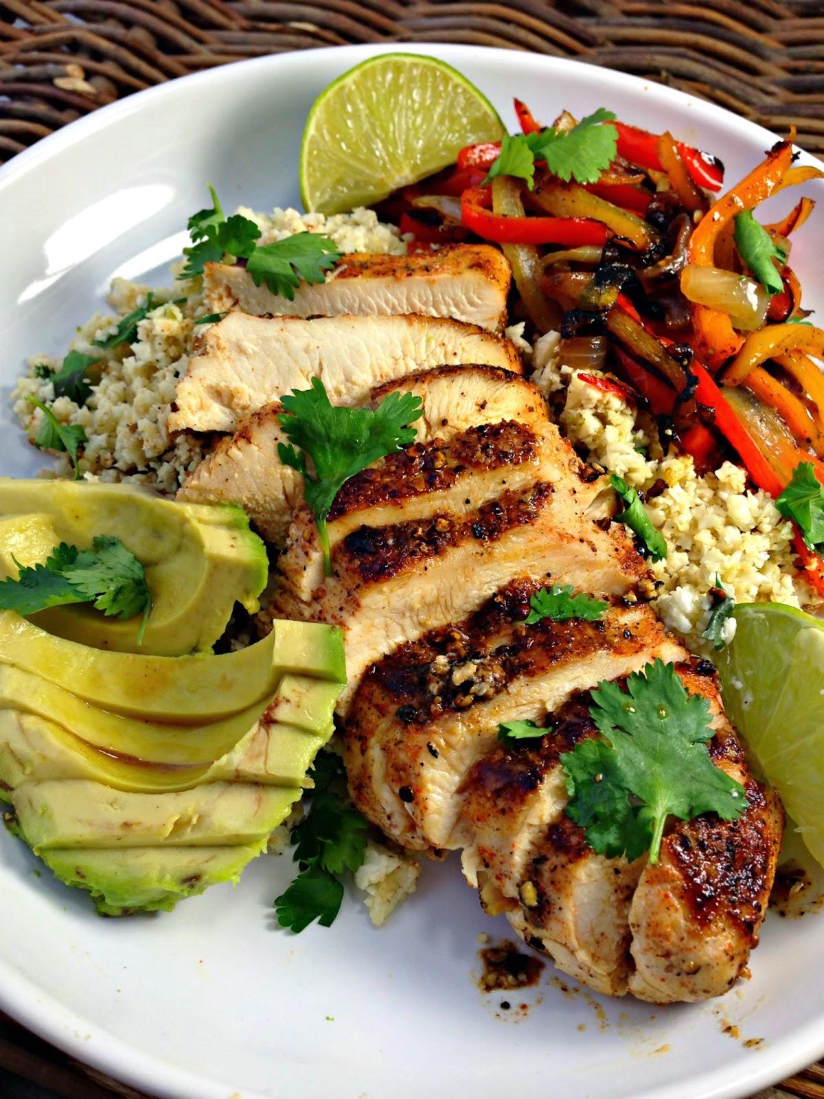 Healthy Blackened Chicken Fajitas with Cilantro Lime Cauliflower Rice
