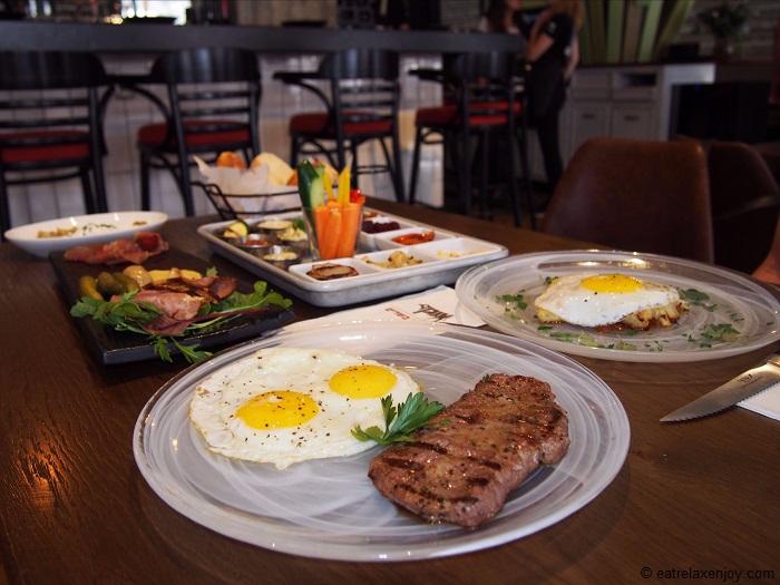 בראנץ' קרניבורים באנגוס – בראנץ' עם בשר