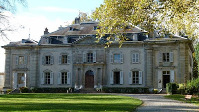 Castelo de Ferney foi uma das casas luxuosas que Voltaire pôde ter