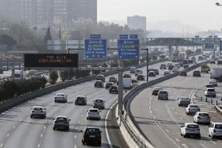 Prohibir la venta de coches con motores de combustión en 2040 podría ser ilegal