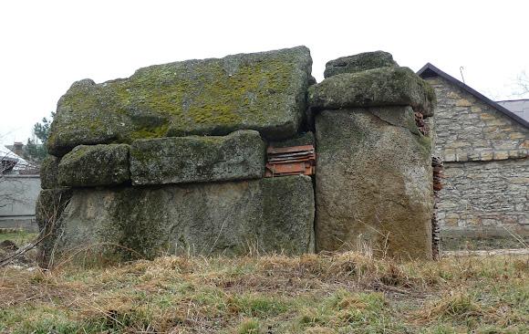 Білгород-Дністровський. Сарматський склеп на території Вірменської церкви