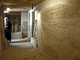 مقابر فريزر بجبانة طهنا الجبل 5