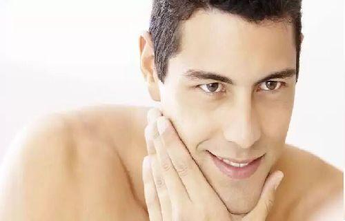 'Man perawatan kulit' akan tampak seperti topik asing bagi beberapa orang. Itu akan lebih asing beberapa tahun lalu.