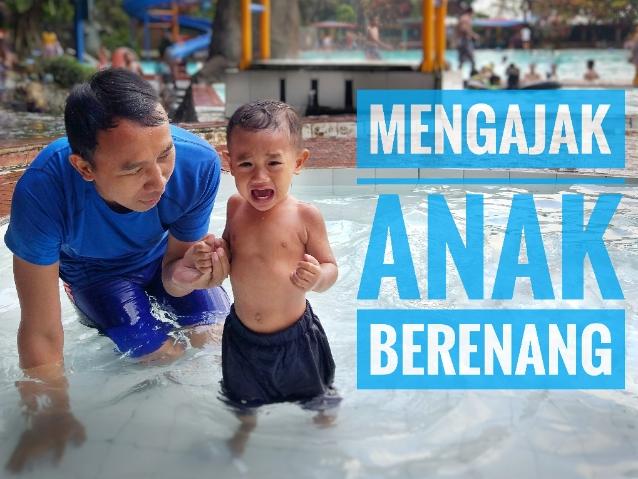 mengajarkan-anak-berenang
