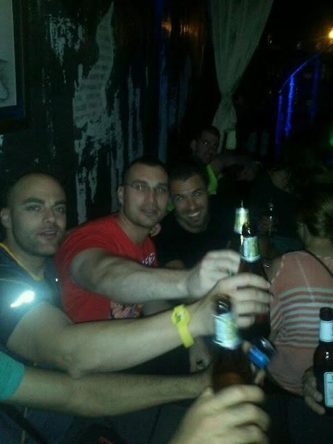 Entre cervezas y amigos