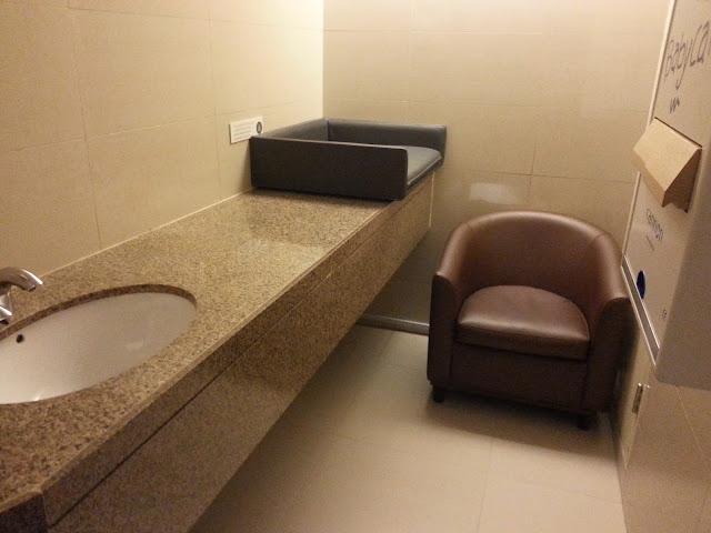 Dubai ja imettäminen imetyshuoneessa